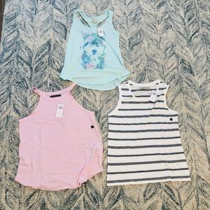 A lot of 3 Brand New Abercrombie & Fitch tanks